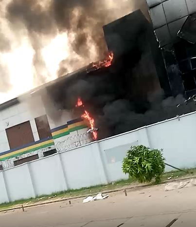 EndSARS: Two Dead, As Hoodlums Set Police Station Ablaze(Video)