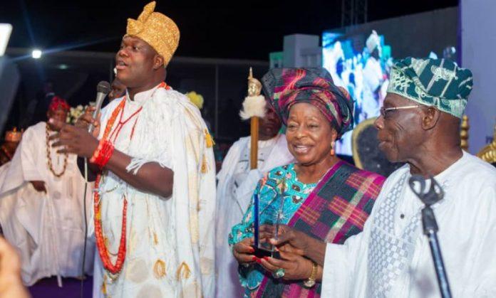 Ooni's 5th Anniversary: Iyalode Alaba Lawson Honoured With Amazon Award
