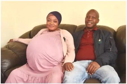 world record दक्षिण आफ्रिकेत(South Africa) प्रिटोरिया(Pretoria) राहणाऱ्या गोसियामे थमारा सिथोले महिलेने तब्बल १० मुलांना जन्म देऊन नवा विश्वरेकॉर्ड बनवला आहे.