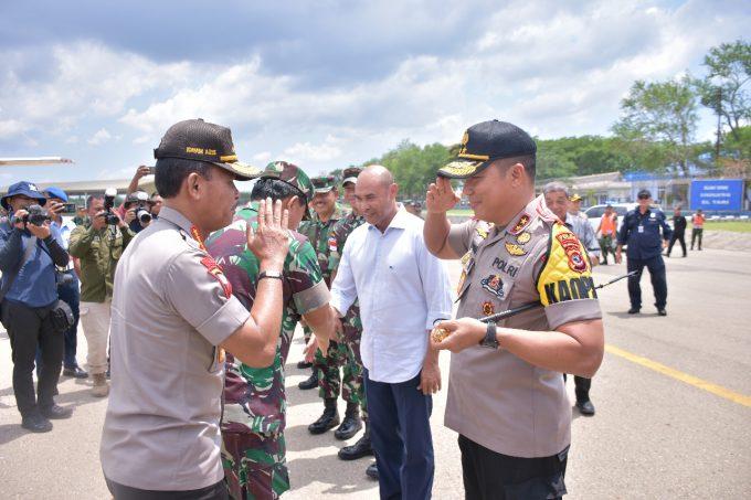 Jelang Natal, Panglima TNI Didampingi Kapolri Kunjungi NTT Dan Manado