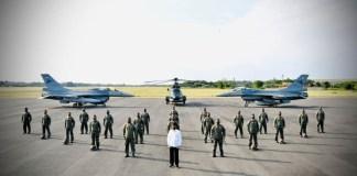 Pilot-Garuda-Flight-Nusantara-Flight