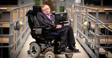 """Stephen Hawking: """"Tehnologia ar putea contribui la vindecarea bolilor și la eradicarea sărăciei"""""""