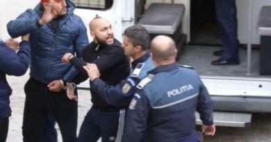 Manelistul Dani Mocanu a scăpat de arest, dar a fost trimis în judecată pentru proxenetism