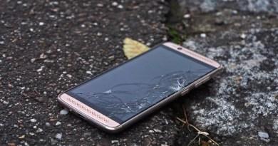 Ecranele telefoanelor nu se vor mai sparge. Un inginer a inventat husa perfectă – VIDEO