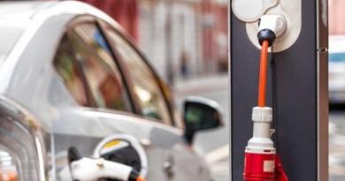 Inițiativă în Marea Britanie: Toate imobilele nou construite să fie dotate cu priză pentru încărcarea vehiculelor electrice