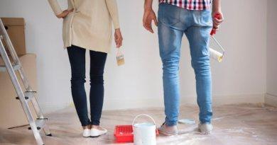 Românii preferă să-și zugrăvească singuri locuințele, numai 24% apelează la un specialist