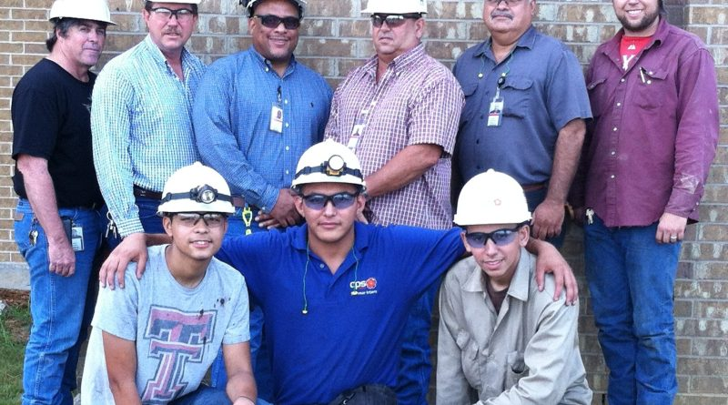 (Image) SITE interns and their CPS Energy mentors. Daniel Carreno is at the bottom left.