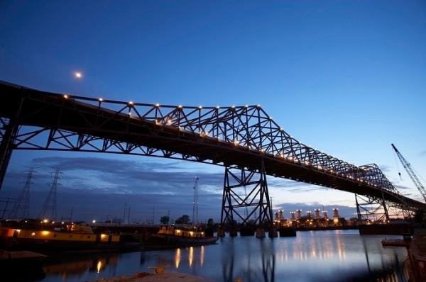 Ferrovial sells stake in Chicago Skyway concession to ...