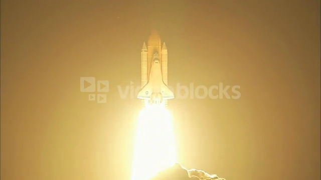 space-shuttle-lighting-up-night-sky_wkg0sisxb__PM13-09-52