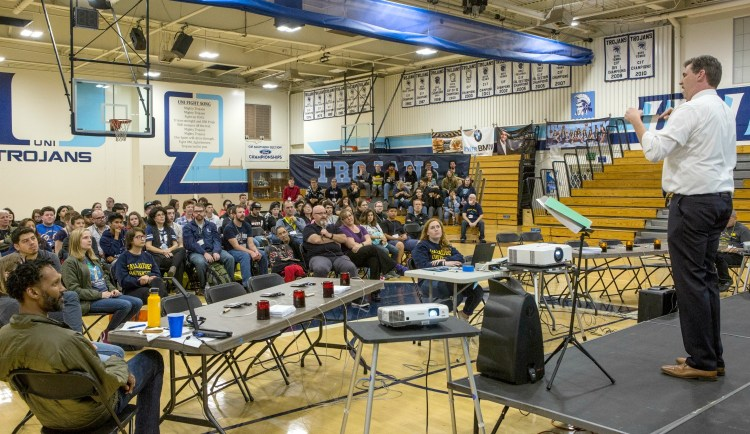 Academic Bowl teams in the gym at University High School