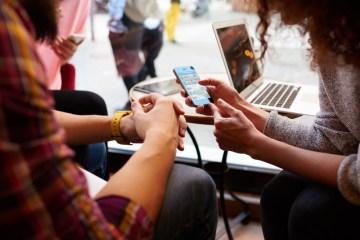 Students using smart phone