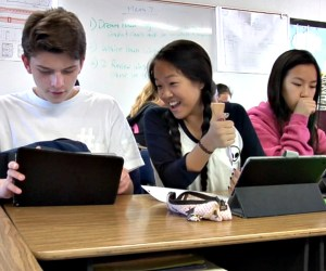Fullerton students using iPads