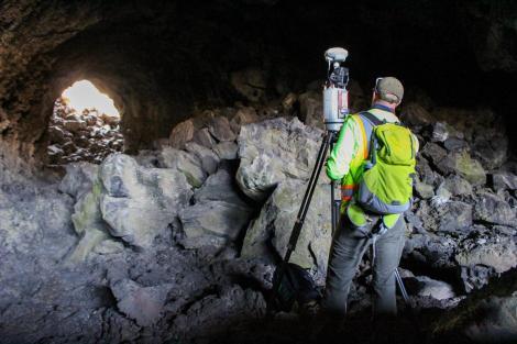 01-lasers-lava-tunnel-mars-adapt-1190-1