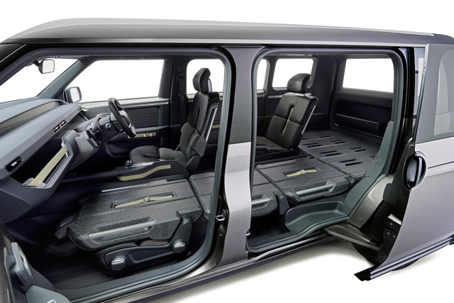 Large sliding doors enable easy loading and unloading from the side