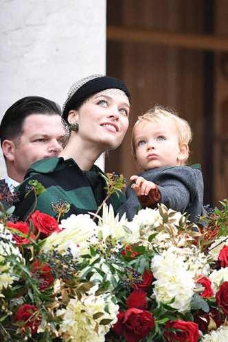 Беатрис Борромео с сыном