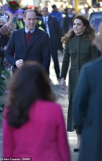 23429012-7889425-The_Duke_and_Duchess_of_Cambridge_arrive_at_Bradford_City_Hall_t-a-110_1579091226135
