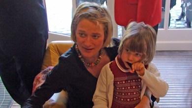 Photo of В Бельгии новая принцесса: внебрачная дочь короля Альберта получает титул