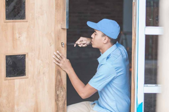 Why Should You Choose a 24 hours Locksmith Service Provider