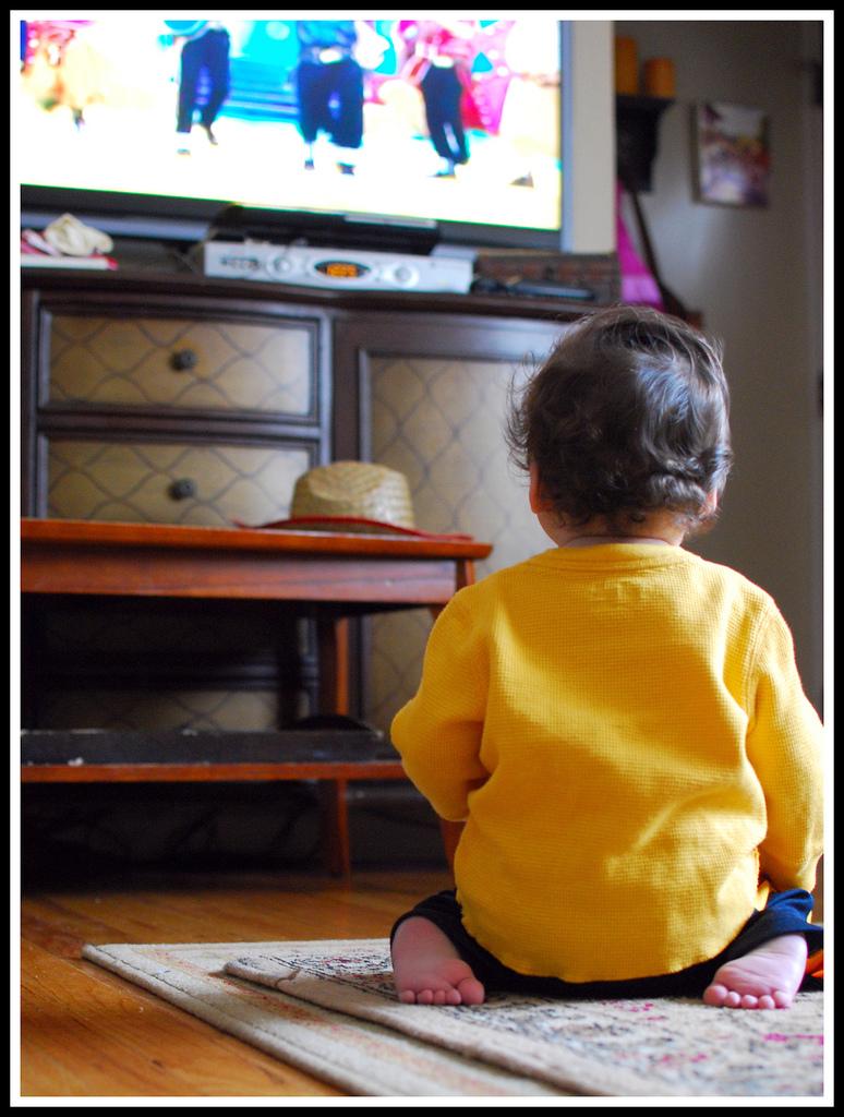 Sedentary latino parents contribute to child obesity for Cuartos para ninos y ninas juntos