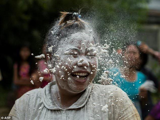 Myanmar - Street games as Myanmar marks 70 years of independence