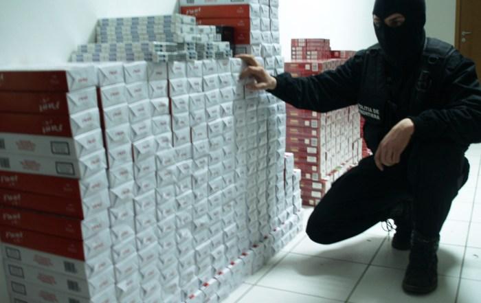 Poliția română IA MĂSURI pentru combaterea contrabandei cu tutun: ambarcațiuni, autoturisme și câini de serviciu