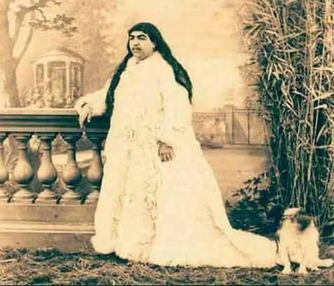 Αυτή είναι η Ιρανή πριγκίπισσα του 19ου αιώνα την οποία διεκδίκησαν 150 άντρες από τους οποίους οι 13 αυτοκτόνησαν γιατί τους απέρριψε…
