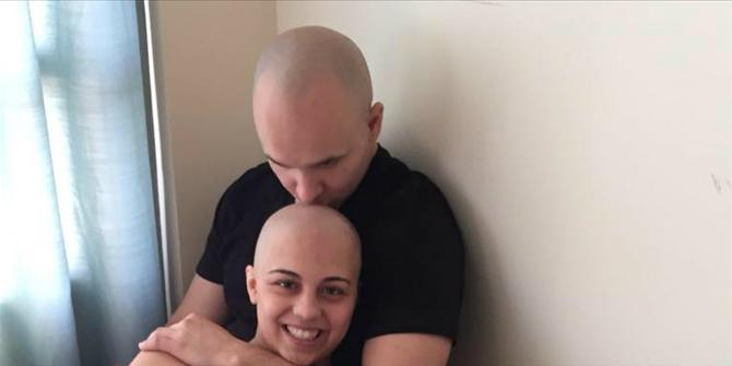 Συγκινητικό: Έκανε πρόταση γάμου στην κοπέλα του την τελευταία μέρα της χημειοθεραπείας της