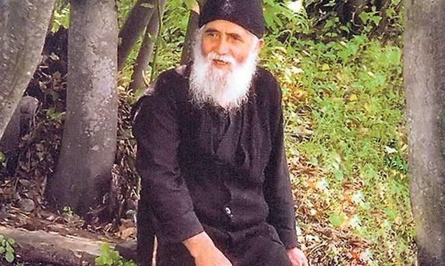 Ανατριχίλα – Επαληθεύονται οι προφητείες του Αγίου Παϊσίου για τα Σκόπια!