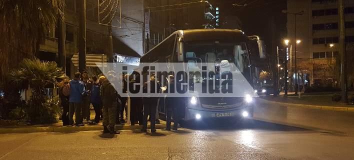 Πούλμαν από την Αθήνα αναχώρησαν για το συλλαλητήριο της Θεσσαλονίκης [εικόνες]