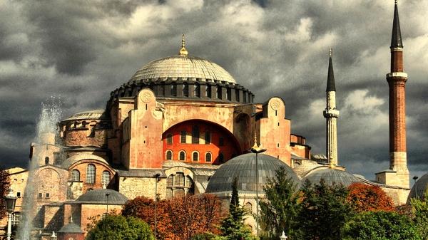 Η Αγιά Σοφιά μας ανήκει βάση νόμου… Πρέπει να επιστραφεί στους Έλληνες σύμφωνα με νόμο του Κογκρέσου!