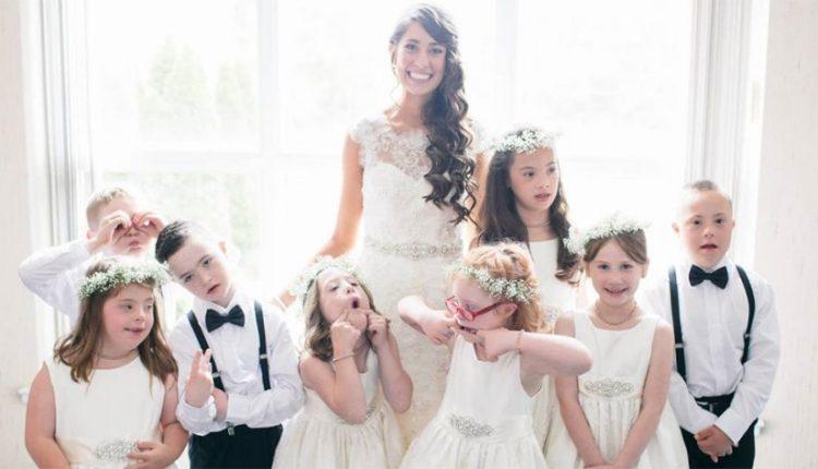 Αυτή η δασκάλα παιδιών με ειδικές ανάγκες κάλεσε όλους τους μαθητές της στον γάμο της