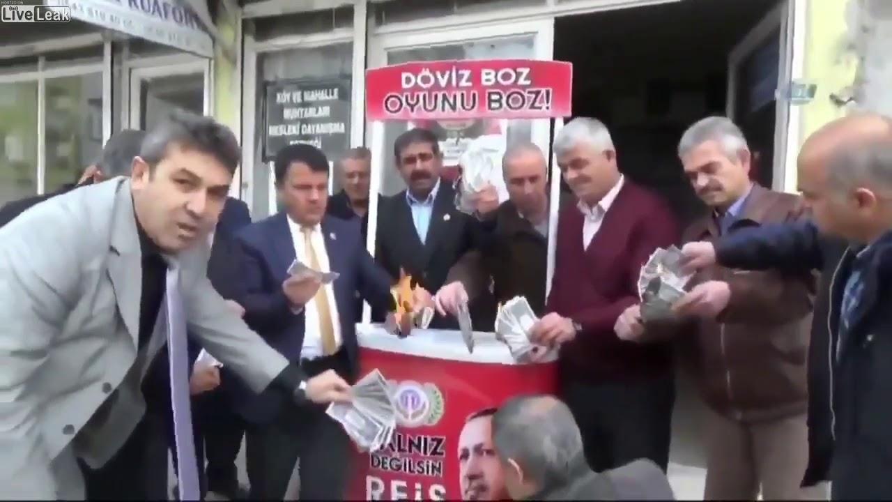 Σύγκρουση ΗΠΑ-Τουρκίας εκτός ορίων: Τούρκοι καίνε αμερικανικά δολάρια, ρούχα, κινητά – Φόβοι για «κραχ» στις αγορές, συναγερμός στην ΕΚΤ