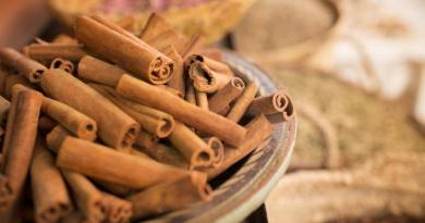 Cinnamon could be a weight loss spice because it can burn fat 1