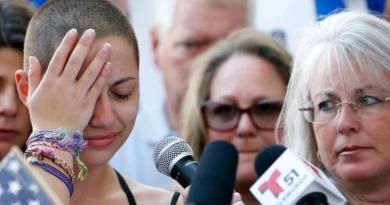 Florida school shooting survivor blames Trump, NRA for massacre 1