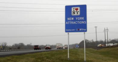 N.Y. State to replace 'I Love NY' road signs to dodge $14M fine 2