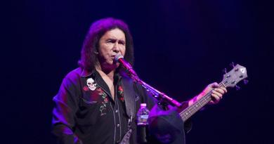 Gene Simmons doesn't know why he's been banned from Fox News 3