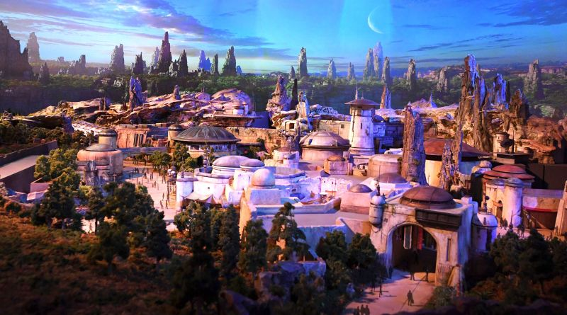 "Disney's 'Star Wars' Park Might Make You One of Those Adults Who Are a Little Too ""Into"" Disneyland 1"