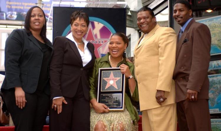 Queen Latifah's mother Rita Owens dies from heart condition 16
