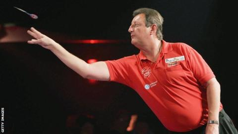 Five-time darts world champion Bristow dies aged 60 15