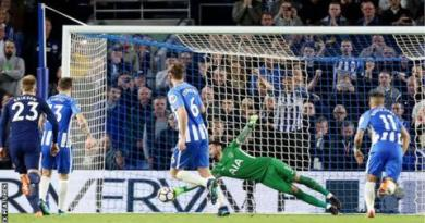 Brighton hold Spurs to edge closer to safety 10