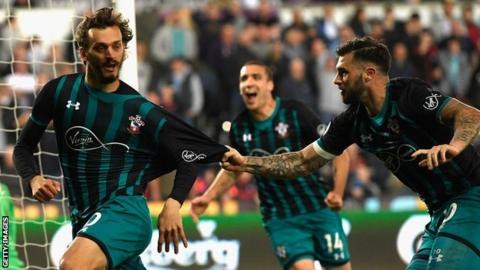 Southampton take big step towards safety with win at Swansea 10