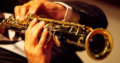 A Clarinetist's Girlfriend Faked a College Rejection Letter to Keep Him From Leaving Town 2