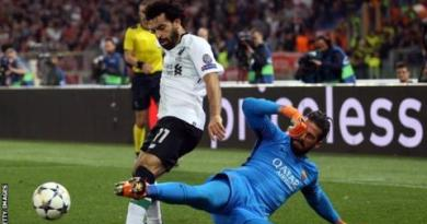 Liverpool make record bid for Roma keeper Alisson 8
