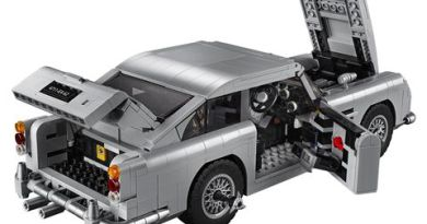 LEGO Is Making a James Bond Aston Martin DB5 Complete with Tire Slashers and Ejector Seat 4
