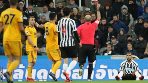 Newcastle 1-2 Wolves: Visitors score late winner against 10 men 8