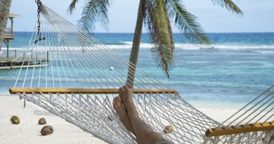 Cayman Islands welcomes strong visitor figures for 2018 3