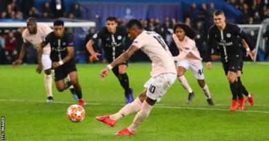 Man Utd: Neymar of Paris St-Germain criticises penalty decision 2