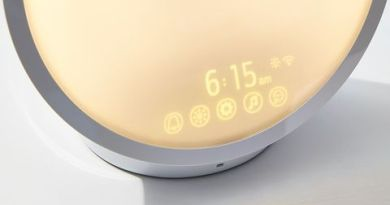 Philips' Wake-Up Light Will Get You Out of Bed When Nothing Else Can 2
