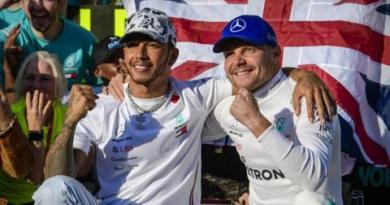 Lewis Hamilton: World champion 'doesn't know how I'm meant to feel' 4