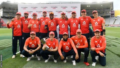 England beat New Zealand in super over to win T20 series 3-2 1